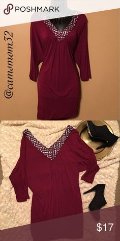Amazing v neck dress Great condition, size medium. Bundle more items and save.😍 Soprano Dresses