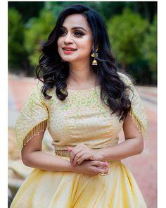 Party Wear Indian Dresses, Indian Gowns Dresses, Wedding Dresses, Saree Poses, Marriage Dress, Salwar Dress, Churidar Designs, Long Gown Dress, Stylish Blouse Design