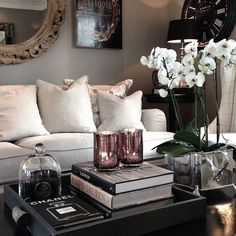 These Easy DIY Decor Projects Will Refresh Your Space for Cheap - Deko You are in the right place about living room decor Here we offer you the most beautiful pictur - Design Living Room, Home Living Room, Living Room Decor, Coffee Table Decor Living Room, Livingroom Table Decor, Interior Livingroom, Kitchen Interior, Room Interior, Dining Room