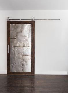 Sliding Salvaged Scrap Metal Barn Door | Pinterest | Türen, Metall ...