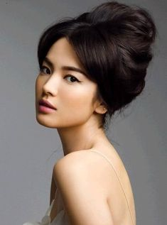 Asian Makeup Inspiration Pics - I like the hair too Popular Hairstyles, Up Hairstyles, Wedding Hairstyles, Wedding Updo, Post Wedding, Chinese Hairstyles, Bridal Updo, Vintage Hairstyles, Wedding Tips
