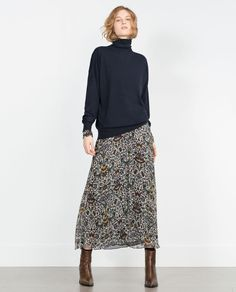 Skirt outfits long floral 47 ideas for 2019 Tomboy Fashion, Modest Fashion, Look Fashion, Fashion Outfits, Womens Fashion, Cowgirl Fashion, Mode Outfits, Skirt Outfits, Fall Outfits