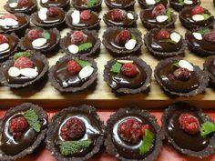 Čokoládové košíčky nebo tartaletky   recept. Předkládám recept na čokoládové košíčky, které si zamilujete. Jsou ve