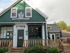 Landmark Cafe is located in scenic Victoria by the Sea, Prince Edward Island. Enjoy a PEI Lobster Feast. Pei Canada, Atlantic Canada, Prince Edward Island, Anne Of Green Gables, New Brunswick, Great Restaurants, Nova Scotia, Summer Travel, Beautiful Islands