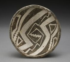 The Mimbres, an ancient Native American people, are part of the cultural history… Native American Baskets, Native American Pottery, Native American Indians, Native Americans, Weisman Art Museum, Southwest Pottery, Pueblo Pottery, American Indian Art, Ceramic Pottery