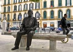 Pablo Picasso's statue at plaza de la merced, in the city center of Malaga.  #Malaga #Culture #SpanishSchool