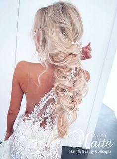 Unique Wedding Hairstyles, Braided Hairstyles, Wedding Hair And Makeup, Hair Makeup, Wedding Hair Inspiration, Bridal Hair Accessories, Wedding Bells, Hair Beauty, Feminine