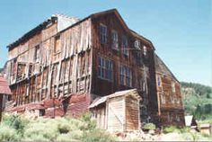 This ghost town was awsome to walk through. Abandoned Mansions, Abandoned Buildings, Abandoned Places, Silver City Idaho, Great Places, Places To See, Colorado Hiking, Camping Spots, Haunted Places