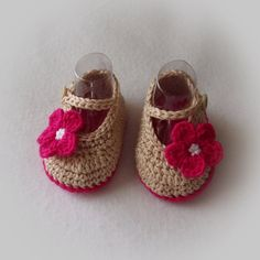 These are a great baby shower gift item!  Booties are made of premium acrylic and wool yarn and are very soft for babys delicate skin. Mary Jane styling