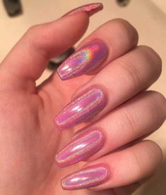 Semi-permanent varnish, false nails, patches: which manicure to choose? - My Nails Cute Acrylic Nails, Cute Nails, Tumblr Acrylic Nails, Trendy Nails, Nail Design Glitter, Glitter Nails, Pink Holographic Nails, Purple Chrome Nails, Manicure Y Pedicure
