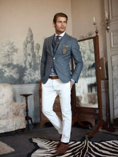 White trousers, linen coat, brown shoes...this is the staple look for Spring Summer 2013.2014