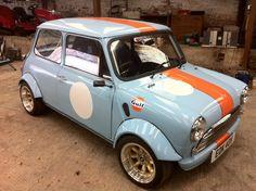 Mini Cooper Clasico, Classic Mini, Classic Cars, Mini Morris, Mini Cooper S, Mini S, Mini Things, Small Cars, Retro Cars