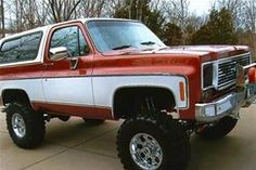 Love the two tone red and white. Lifted Chevy, Chevy C10, Lifted Ford Trucks, Gm Trucks, Chevrolet Trucks, Cool Trucks, Jeep 4x4, Jeep Wrangler Tj, Classic Chevy Trucks