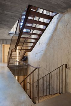 Gallery of Armazém Luxury Housing / Pedra Líquida - 31