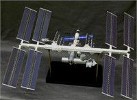 INTERNATIONAL SPACE STATION 1/144 SCALE MODEL