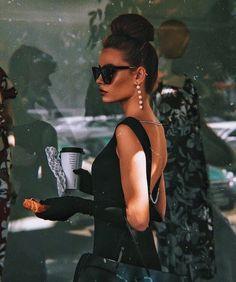 Fashion Classy Elegant Glamour Vintage Style 53 Ideas For 2019 Vintage Glamour, Photographie Glamour Vintage, Vintage Models, Vintage Chanel, Classy Aesthetic, Aesthetic Vintage, Rich Girl, Mode Inspiration, Fashion Inspiration