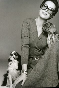 Black N White Images, Black And White, Elsa Peretti, Great Women, Fashion Images, Fashion Trends, Timeless Elegance, Dog Friends, Style Icons