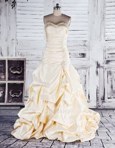 Beading Ball Gown Chapel Train Sweetheart Satin Wedding Dresses