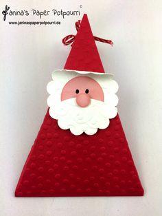 jpp - Santa Triangle Box / Weihnachtsmann Verpackung / Nikolaus Dreieck / Stampin' Up! Berlin www.janinaspaperpotpourri.de Christmas Favors, Stampin Up Christmas, Very Merry Christmas, Christmas Time, Christmas Crafts, Christmas Decorations, Christmas Ornaments, Holiday Decor, Potpourri
