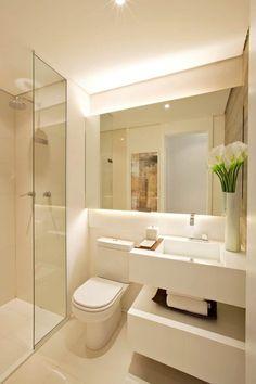 modern Bathroom by Chris Silveira & Arquitetos Associados ✫♦๏☘‿FR Sep 20 , ✤ ❀‿❀ ✫❁`💖~⊱🌹🌸🌹⊰~❥ ༺✿༻♛༺ ♡~♥⛩ ⚘☮️❋ Bathroom Design Luxury, Bathroom Layout, Modern Bathroom Design, Bathroom Ideas, Small Sink, Bathroom Small, Mirror Bathroom, Warm Bathroom, Modern Small Bathrooms