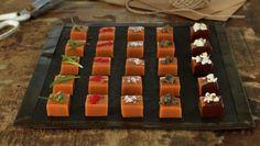 Fløtekarameller | Oppskrift - MatPrat Sarah Bernard, Caramel Delights, Tex Mex, Sushi, Food And Drink, Mad, Sweets, Snacks, Cooking