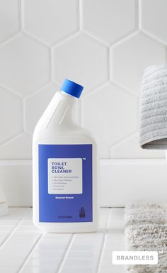 Free of toxins and carcinogens, Brandless Toilet Bowl Cleaner, with a fresh scent of summer breeze, cuts through the mess without adding impurities to our waters. EPA Safer Choice Certified, cruelty free and septic safe. Detergent Bottles, Laundry Detergent, Plastic Bottle Design, Industrial Packaging, Eco Store, Hand Hygiene, Soap Company, Cleaning Materials, Toilet Bowl