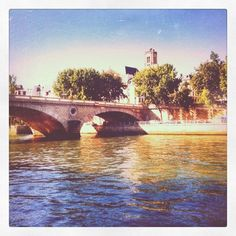 10 Things She Loves and Doesn't Love about Living in Paris...i think the pros outweigh the cons, when can i go?