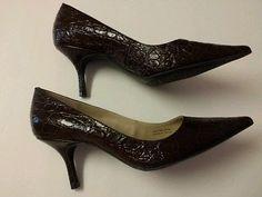 Ladies 9M ELLEN TRACY Pointy Toe Embossed Leather High Heel Pumps CINDY NWOB