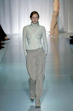 Balenciaga | Spring 2000 Ready-to-Wear | 77 White long sleeve top and beige trousers