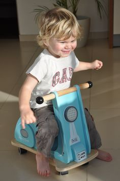 """Ollie on the Jamm Scoot - """"Look no hands!"""""""