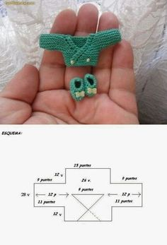Lasminisdeanalabea: tutorial -- her barbie dolls stuff Crochet Doll Clothes, Knitted Dolls, Doll Clothes Patterns, Crochet Dolls, Doll Patterns, Knitting Patterns, Knit Crochet, Crochet Patterns, Knitted Baby