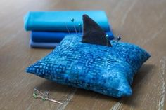 Fin-Tastic Pincushion from All People Quilt Sewing Blogs, Sewing Tutorials, Sewing Patterns, Sewing Kits, Sewing Ideas, Fun Projects, Sewing Projects, Sewing Crafts, Felt Pincushions