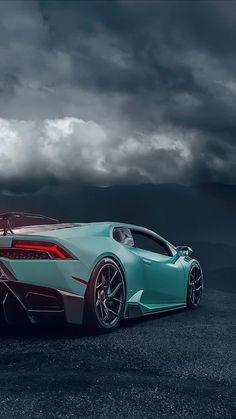 The Lamborghini Aventador is here Luxury Sports Cars, Top Luxury Cars, Exotic Sports Cars, Lamborghini Veneno, Carros Lamborghini, Super Sport Cars, Super Cars, Wallpaper Carros, Dream Cars