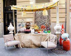 Mercadillo de Anticuarios: Calles Cervantes y Quevedo » Nuevo Estilo - DecorAccion. Madrid antiques market. I want those chairs!