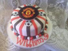 Man utd football cake x Manchester United Birthday Cake, Fun Cakes, Hobbies And Crafts, Amazing Cakes, Projects To Try, Football, Baking, Desserts, Food