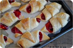 Easy Cherry Turnovers from Lemon Sugar . You could also take a sheet of cresent roll dough and spread the pie filling down the middle. Cut the dough into strips and criss cross it across the pie filling and bake. (apple or strawberry instead of cherry) Strudel, Croissants, Just Desserts, Dessert Recipes, Breakfast Recipes, Yummy Recipes, Cherry Recipes, Trifle Desserts, Strawberry Desserts