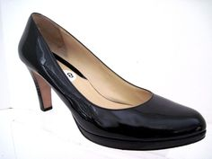 COLE HAAN Women's Classic Black Patent Leather CHELSEA Pumps Heels Size 8 1/2 B #ColeHaan #PumpsClassics