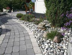 Sjösten svartvit Outdoor Rooms, Outdoor Decor, Garden Projects, Garden Ideas, Garden Paths, Garden Inspiration, Curb Appeal, Sidewalk, Patio