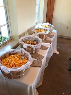 Wedding Snack Bar, Wedding Popcorn Bar, Wedding Reception Food, Wedding Set, Popcorn Bar Party, Popcorn Station, Fall Harvest Party, Party Stations, Summer Pool Party
