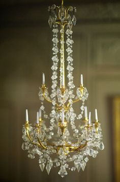Thorne Room (7) by Joshishi, via Flickr Now this is a chandelier I would love to have in my dolls house!