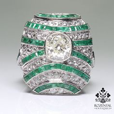 Period: Art deco (1920-1935) Composition: Platinum Stones: - 1 cushion Old mine cut diamond of H/I-VS2 quality that weighs 1.33ctw. - 53 Rose cut diamonds of H/I-VS2 quality that weigh 0.80ctw. - 60 n
