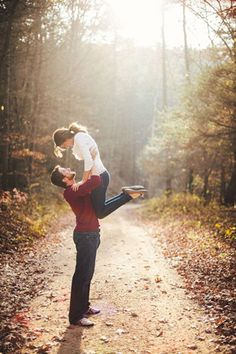 romantic fall wedding engagement photo ideas