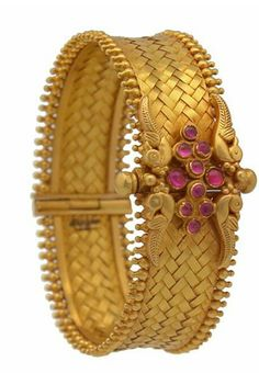 4 Antique Gold Kada Bangles from Prince Jewellery ~ South India Jewels Bracelets Design, Gold Bangles Design, Gold Jewellery Design, Gold Jewelry, Bridal Jewellery, Jewlery, The Bangles, Bangle Bracelets, Indian Bangles