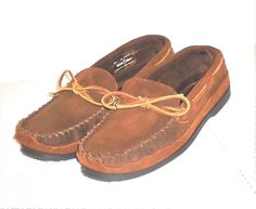 Minnetonka Moccasin Men's Brown Leather Moccasin Hard Sole Slipper Shoe Size 11 #MinnetonkaMoccasin #HardOutSoleSlipperMoccasin