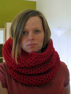 Háčkovaný nákrčník ala Karkulka - Na stejné vlně Crochet Projects, Red, Fashion, Moda, Fashion Styles, Fashion Illustrations