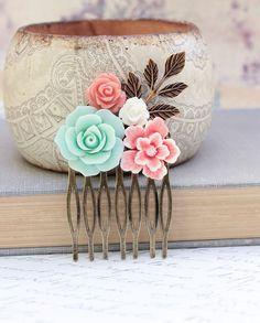 Fleur Collage peigne cheveux Floral accessoires par apocketofposies