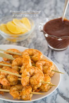 "Roasted garlic shrimp by ""A food centric life"" Shellfish Recipes, Seafood Recipes, Cooking Recipes, Healthy Recipes, Healthy Eats, Garlic Shrimp, Roasted Garlic, Roasted Shrimp, Fish Dishes"