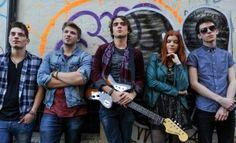 Dit is de band van Adam namelijk 'Willamette Stone'. Met deze band treedt hij vaak op. Hij is de zanger en gitarist van Willamette Stone. Ze gaan vaak op tour.