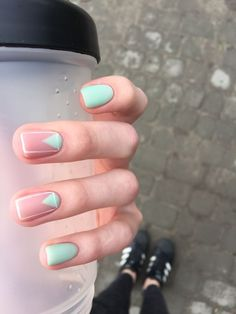 Simple Line Nail Art Designs You Need To Try Now line nail art design, minimalist nails, simple nails, stripes line nail designs Nail Manicure, Diy Nails, Cute Nails, Pretty Nails, Nail Polish, Manicure Ideas, Shellac Nails, Spring Nail Colors, Spring Nail Art
