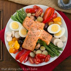This Salmon Salad Niçoise is a scrumptious twist on the French classic. #SundaySupper
